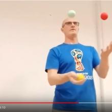 научиться жонглировать шариками